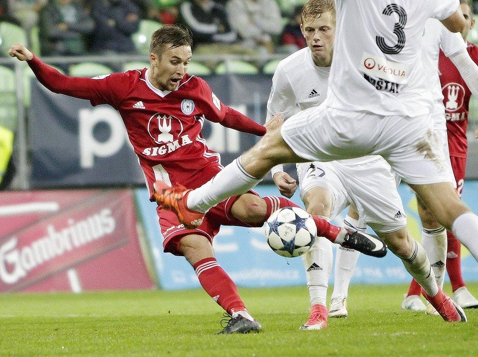 David Houska dává gól do sítě Karviné