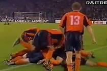 Sigma Olomouc v roce 2000 ve finále Intertoto Cupu remizovala doma s italským Udine 2:2, v odvetě pak prohrála 2:4 po prodloužení. Radost Sigmy po brance Josefa Muchy na 2:1 v 89. minutě odvety. S číslem 13 Radim Kučera