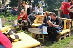 Olomoucký Garden Food Festival servíruje burgery, ústřice i cvrčky.