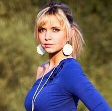 7) TEREZA KUPKOVÁ,  22, studentka, Přerov
