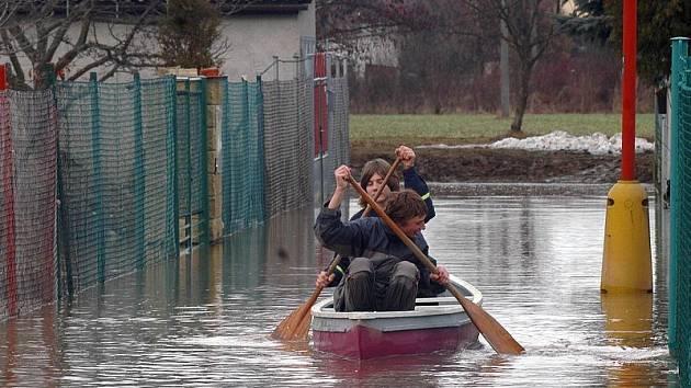 Záplavy v Litovli-Komárově.