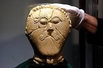Vzácná Keltská hlava dorazila na výstavu ve Vlastivědném muzeu Olomouc. 10.2.2020