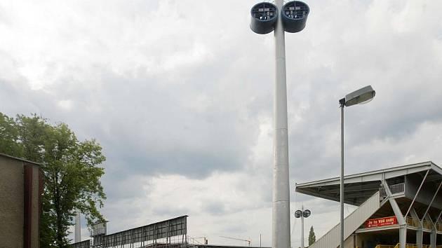 Andrův stadion - jižní a východní tribuna