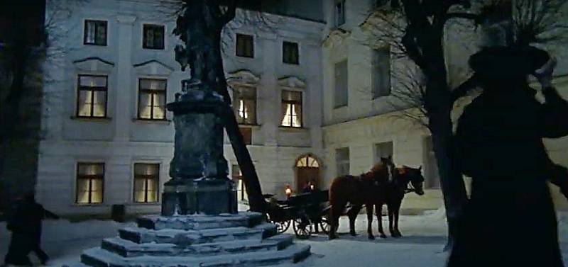 Screen z filmu Doktor Živago. Žerotínovo náměstí
