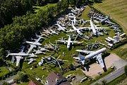 Dopravní tryskový letoun TU - 104, který téměř 40 let sloužil jako noční bar Letka v Olomouci, je po náročné renovací pýchou Air Parku ve Zruči u Plzně. V leteckém muzeu mohou zájemci zhlédnout desítky letadel a jejich motorů. Mezi unikáty patří F-104, CF