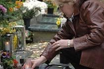 Dušičky na olomouckém hřbitově v Neředíně