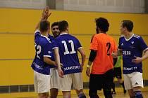 Futsalisté Olomouce (v modrém) porazili v domácím zápase druhé ligy Jeseník 8:5.