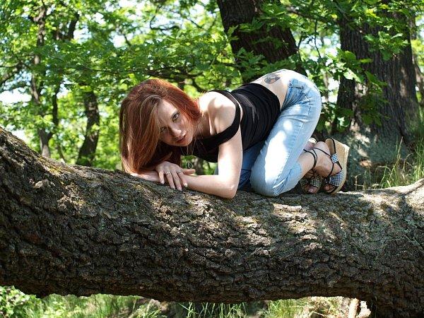 Michaela Humlová, 20let, operátorka ve výrobě, Jirkov