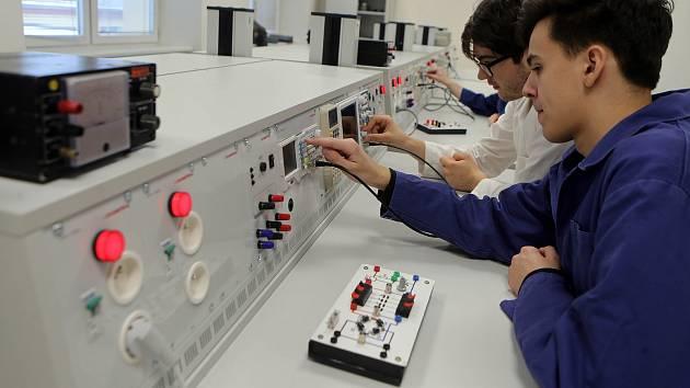 Nově vybavené učebny Střední průmyslové školy elektronické v Olomouci.