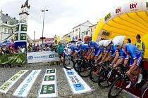 Start časovky družstev - první etapy Czech Cycling Tour v Uničově