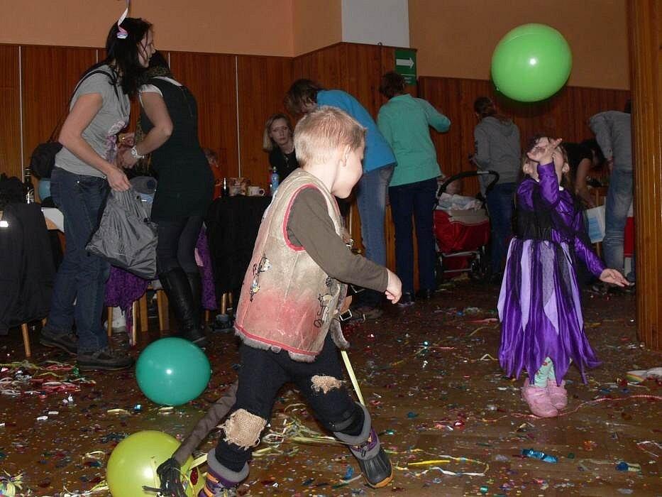Dětský maškarní karneval v Hrabůvce