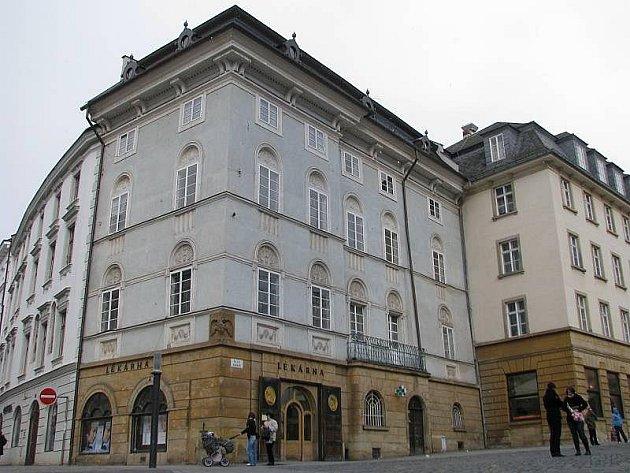 Dům s Krajisnkou lékárnou na Horním náměstí