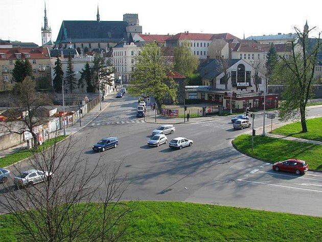 Křižovatka Dobrovského a Na Střelnici
