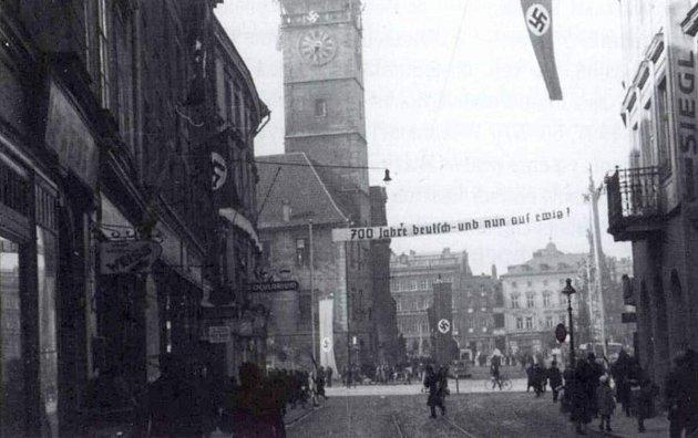 Výzdoba náměstí Adolfa Hitlera (dnešní Horní náměstí) vOlomouci