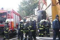 Třičtvrtěmilionovou škodu napáchal pondělní požár v uničovské firmě