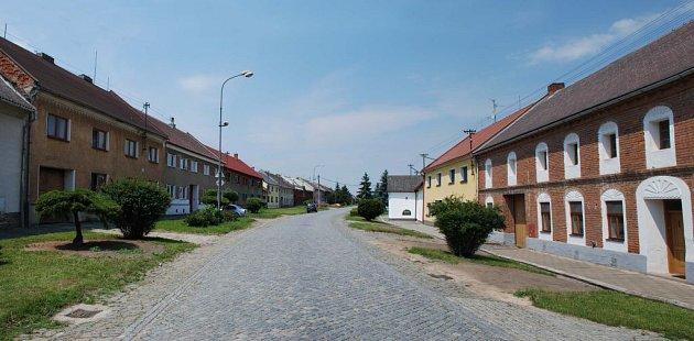 Příkazy - současný stav zeleně na průjezdu obcí