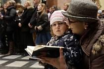 Vánoční mše svatá pro děti v chrámu Svatého Michala v Olomouci.
