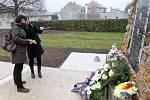 Památník válečné tragédie v Zákřově se dočkal obnovy