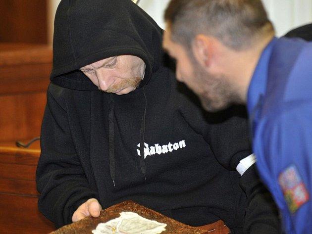 Bývalý elitní voják a člen ochranky expremiéra Paroubka Viktor Štingl u Vrchního soudu v Olomouci