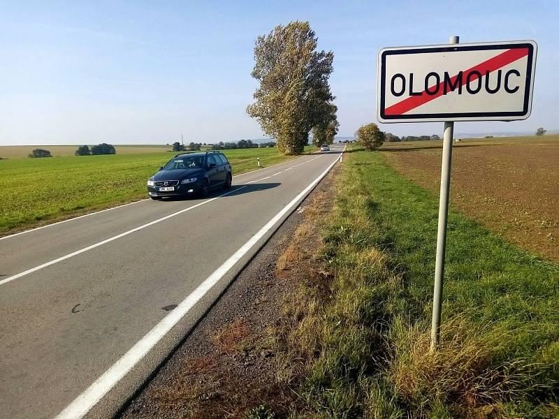 Silnice mezi Olomoucí a Topolany