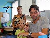 Trenér Martin Kotůlek. Fotbalisté Sigmy navštívili malé pacienty na olomoucké onkologii