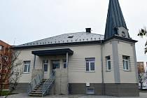 Lékařský dům najdou pacienti na adrese Vítězná 183/2B, tedy zhruba 250 metrů od původního sídla ambulancí na litovelské poliklinice.