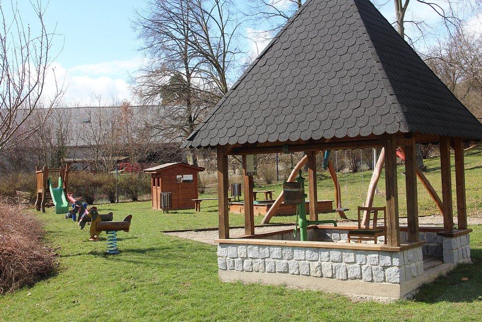 Dětské hřiště v Ludéřově.
