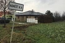 Pozemek o výměře 1525 metrů čtverečních na okraji Náměště na Hané koupil Olomoucký kraj pro příspěvkovou organizaci, poskytovatele sociálních služeb Nové Zámky.