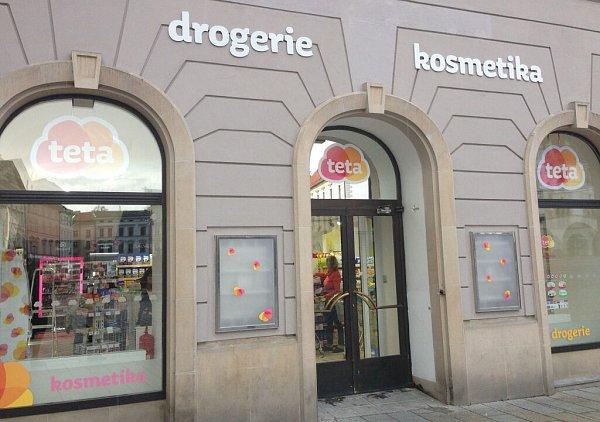 Hamburgery nahradily šampony – vSalmově paláci na Horním náměstí otevřela drogerie, šestá vhistorickém centru Olomouce.