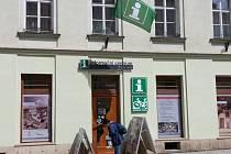 Možnost uschovat si kola teď nově nabízí cyklistům Informační centrum ve Šternberku