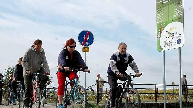 Začátek nové cyklostezky v Hlušovicích