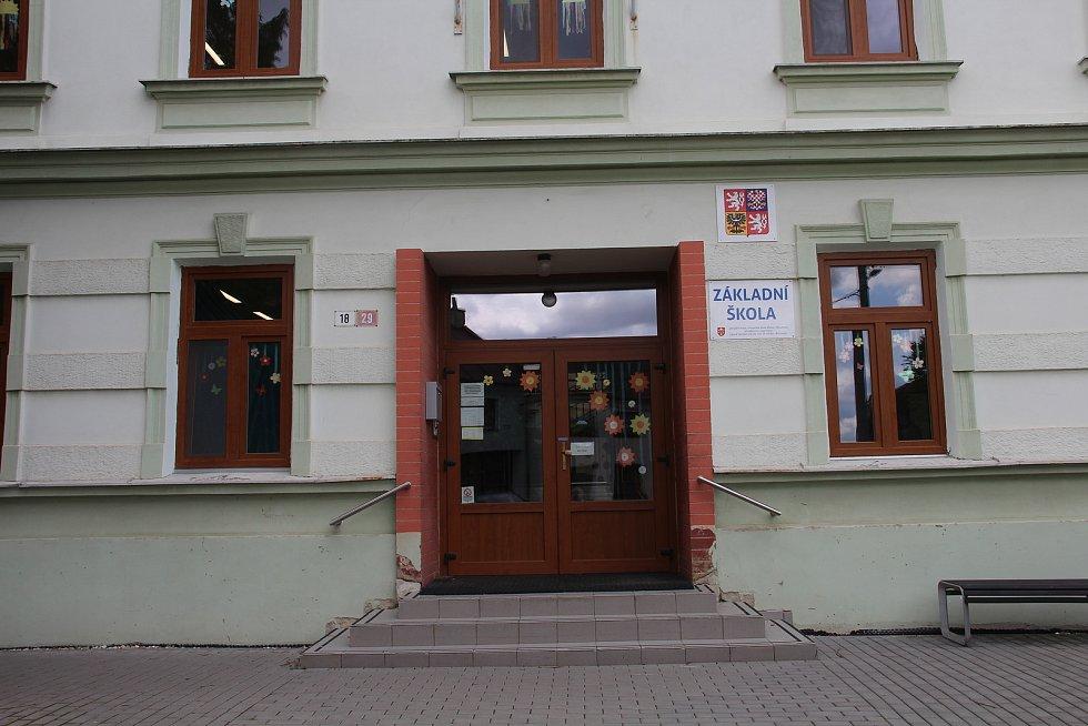 Základní škola v Křelově