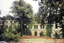Barokní zámek vDlouhé Loučce