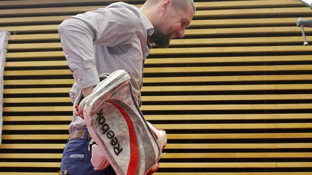 Brankář HC Olomouc Branislav Konrád na vyhlášení ankety Sportovec Olomoucka za rok 2016