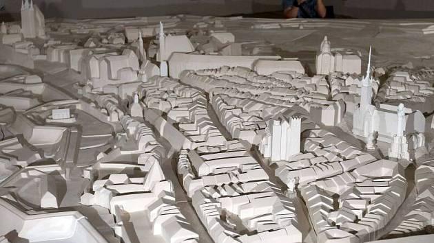 Jak vypadala Olomouc coby pevnost v polovině 18. století si mohou prohlédnout návštěvníci prachárny v olomoucké Korunní pevnůstce.  Sádrový model ukazuje možnou podobu města v roce 1758