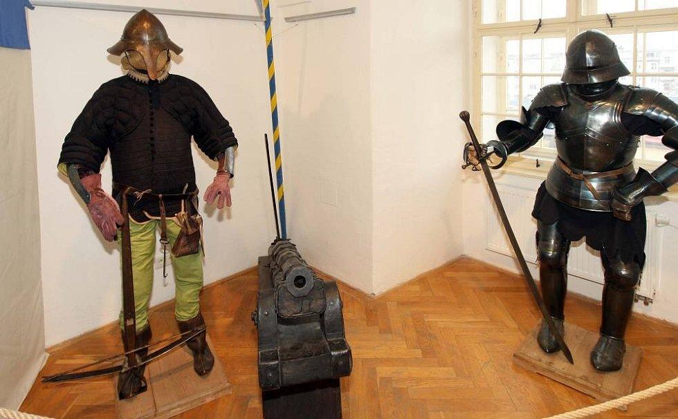Výstava Doba měst a hradů ve Vlastivědném muzeu Olomouc