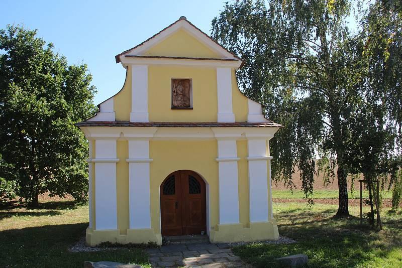 Bukovany. Kaple svatého Donáta za obcí