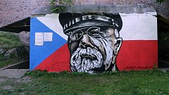 Masaryk na bývalém krytu civilní obrany v Bezručových sadech