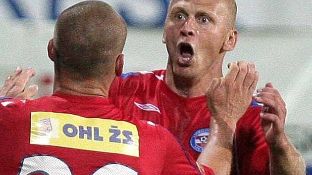 Tomáš Došek se raduje z gólu
