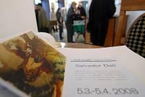 Vernisáž výstavy děl Salvadora Dalího v olomoucké galerii Mona Lisa.