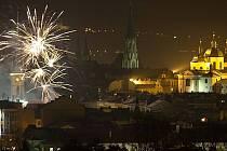 Mikulášský ohňostroj nad Olomoucí z nevšedního pohledu