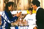 Pavel Hapal je jedním z mála českých fotbalistů, kteří mohou říct, že dali gól slavnému Realu Madrid. Tehdejší olomoucký útočník úspěšně působí jako trenér na Slovensku. S Žilinou vede tamní nejvyšší soutěž.