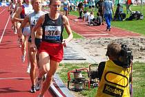 Za 35 stupňového vedra si Petra Kamínková běží pro svůj 17. přebornický titul