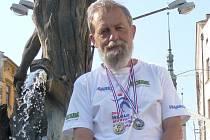 Rostislav Kovář vybojoval na evropské veteraniádě v chůzi dvě medaile