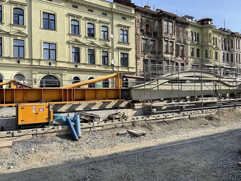 Druhá polovina Rejnoka, mostu přes Moravu na Masarykově třídě v Olomouci, 13. září 2021