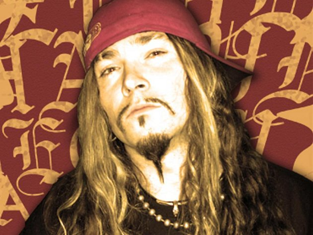 Frontman kapely Hazydecay Adam B. Sychrow.