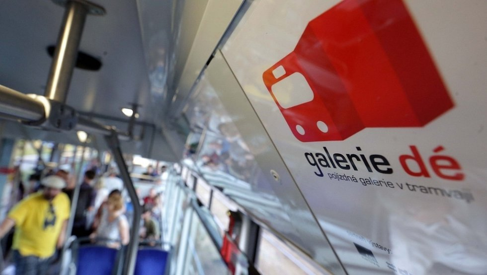 Tramvaj Galerie dé – nový projekt kreativního týmu ARTnative, který vznikl ve spolupráci s Dopravním podnikem města Olomouce
