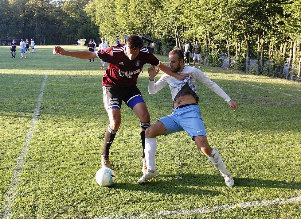 Olešnice (v bílo-modrém) porazila v semifinále Hanáckého poháru Litovel 4:2.