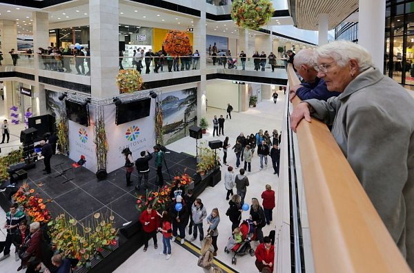 Otevření nové obchodní galerie Šantovka vOlomouci