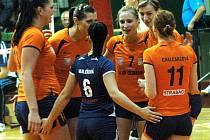 Volejbalistky Olomouce (v oranžovém) proti Brnu